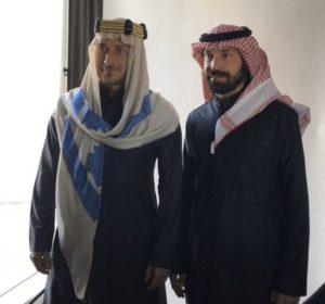 """توتي وبيرلو بالزي الخليجي ووالد «القناص»: """"حان وقت رد الدين"""""""