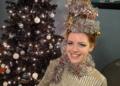 """تسريحة """"شجرة عيد الميلاد"""" تشعل مواقع التواصل الاجتماعي"""