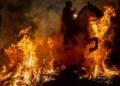 إسبانيا تبارك الخيول بألسنة النيران