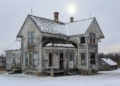 جولة بين المنازل المهجورة في ريف الولايات المتحدة