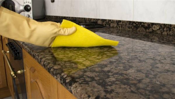 طرق مذهلة للتخلص من البقع المختلفة على مناشف المطبخ